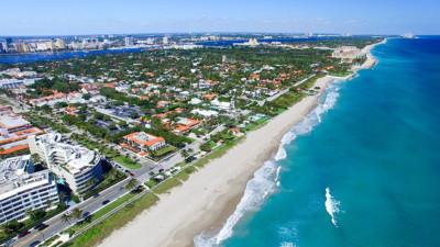 Palm Beach, vous devriez investir dans la ville des milliardaires.